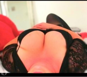 Alexa high end call girl in Camano